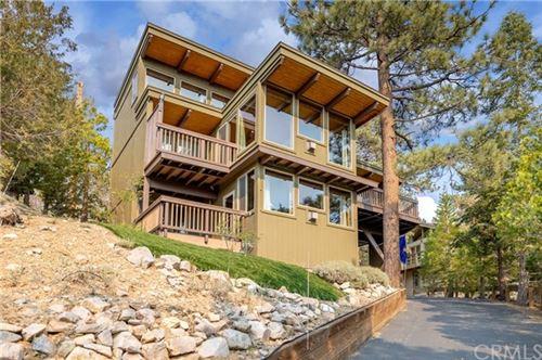 Photo of 43674 Ridge Crest Drive, Big Bear, CA 92315 (MLS # EV21113006)