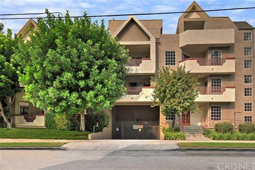 Photo of 5127 Klump Avenue #309, North Hollywood, CA 91601 (MLS # SR20190006)