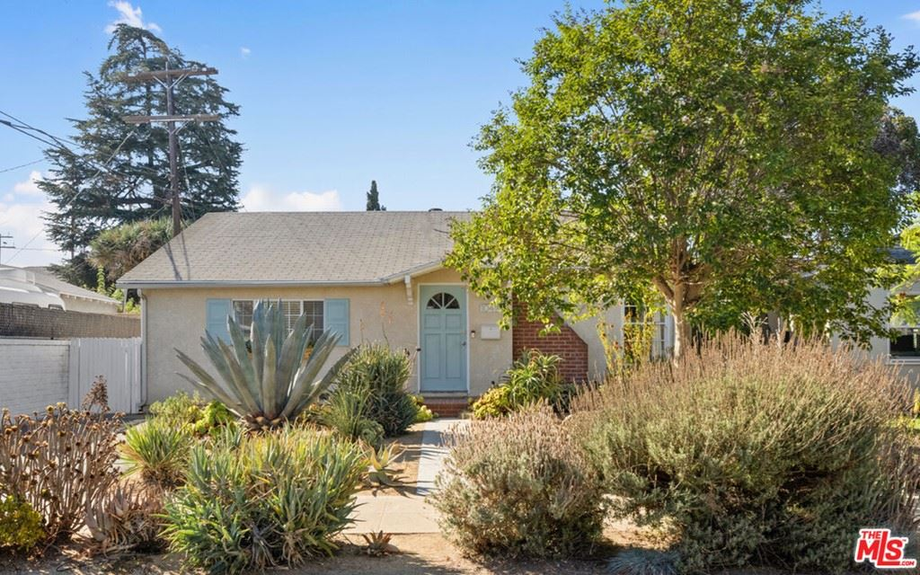 Photo for 10414 Myrna Street, North Hollywood, CA 91601 (MLS # 21783006)