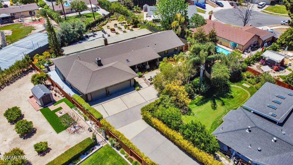 Photo of 1476 Uppingham Drive, Thousand Oaks, CA 91360 (MLS # 221005006)