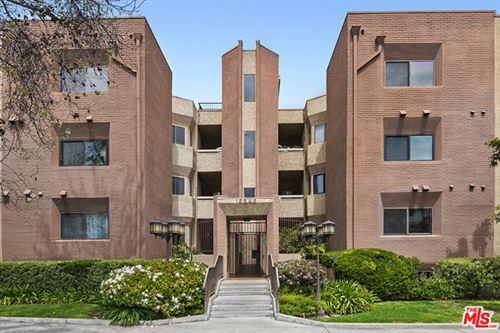 Photo of 15245 La Maida Street #203, Sherman Oaks, CA 91403 (MLS # 21719008)