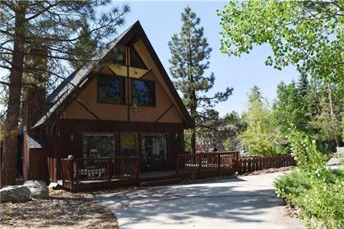 Photo of 41665 Tanager Drive, Big Bear, CA 92315 (MLS # TR21128008)