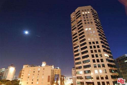 Photo of 801 S Grand Avenue #2111, Los Angeles, CA 90017 (MLS # 21682010)
