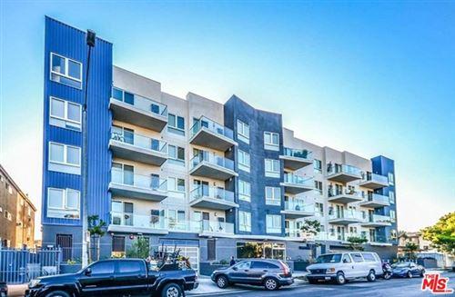 Photo of 105 S Mariposa Avenue #304, Los Angeles, CA 90004 (MLS # 21695010)