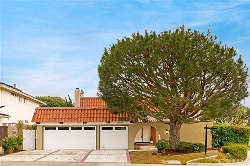 Photo of 19392 Weymouth Lane, Huntington Beach, CA 92646 (MLS # NP19267012)