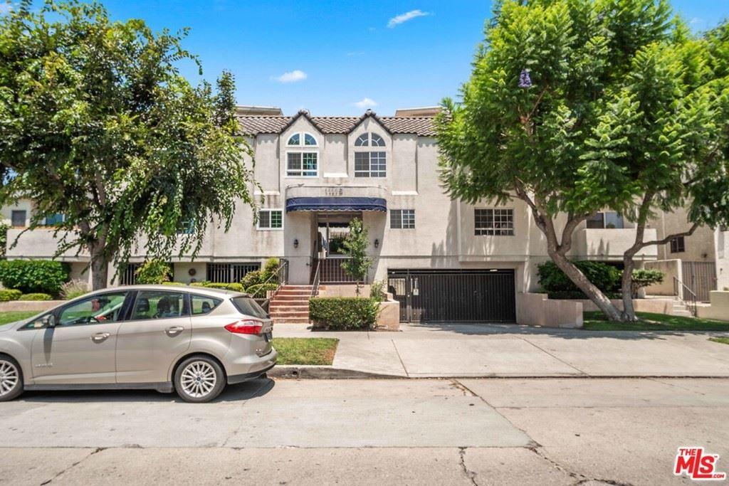 Photo of 11119 Camarillo Street #120, North Hollywood, CA 91602 (MLS # 21763012)