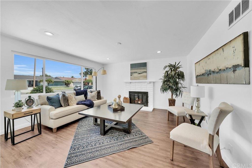 2534 E Jackson Avenue, Orange, CA 92867 - MLS#: IG21102012