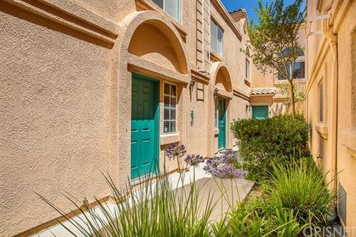 Photo of 18730 Vista Del Canon #E, Newhall, CA 91321 (MLS # SR20146013)