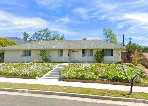 Photo of 13126 Fenton Avenue, Sylmar, CA 91342 (MLS # SR20235013)