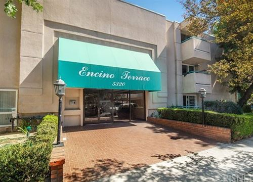 Photo of 5320 Zelzah Avenue #307, Encino, CA 91316 (MLS # SR21102013)
