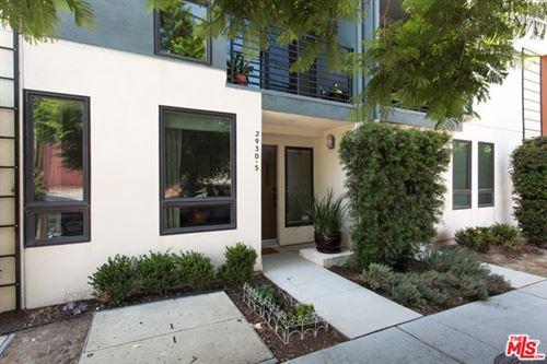Photo of 2930 Rowena Avenue #5, Los Angeles, CA 90039 (MLS # 20627014)