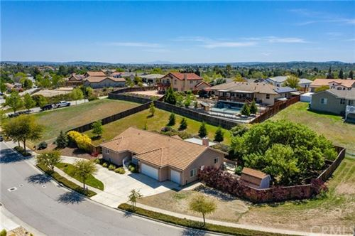 Photo of 676 Red Cloud Road, Paso Robles, CA 93446 (MLS # NS21078014)
