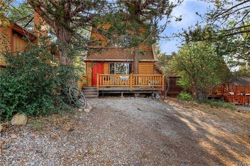 Photo of 886 Pine Lane, Sugar Loaf, CA 92386 (MLS # EV21154016)