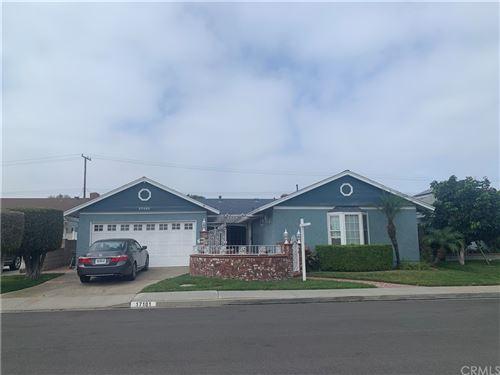 Photo of 17101 Hague Lane, Huntington Beach, CA 92647 (MLS # OC21200016)
