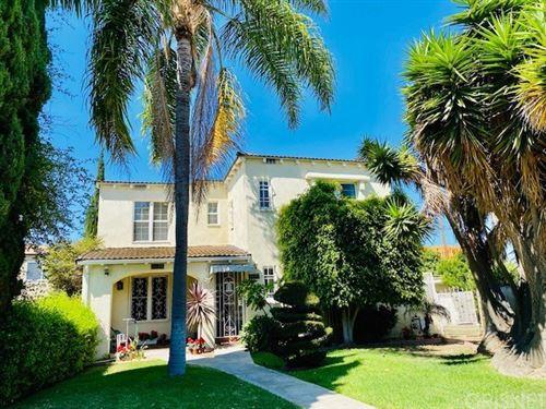 Photo of 8633 Hervey Street, Los Angeles, CA 90034 (MLS # SR20140016)