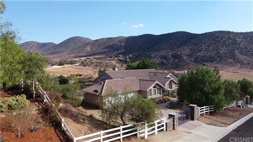 Photo of 34724 Caprock Road, Agua Dulce, CA 91390 (MLS # SR21231016)