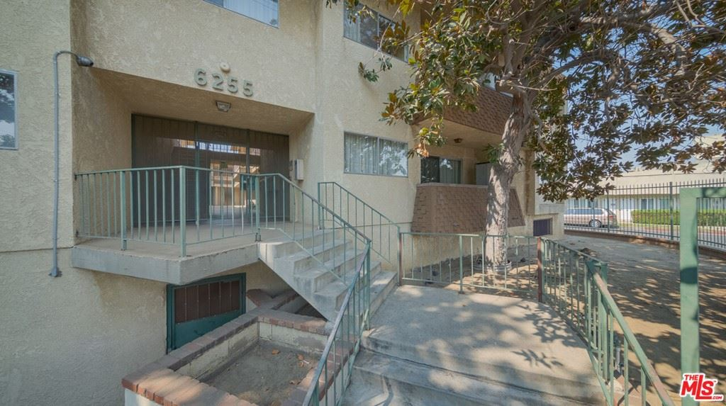 Photo of 6255 Woodman Avenue #101, Valley Glen, CA 91401 (MLS # 21788016)