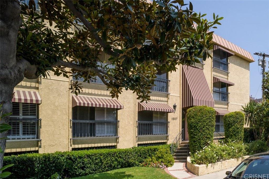 Photo for 11507 Moorpark Street #202, Studio City, CA 91602 (MLS # SR21202016)