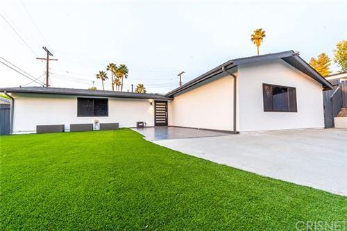 Photo of 20763 Dolorosa Street, Woodland Hills, CA 91367 (MLS # SR20222018)
