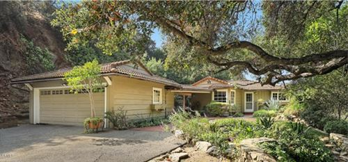 Photo of 364 Corona Drive, La Canada Flintridge, CA 91011 (MLS # P1-2019)