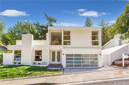 Photo of 17084 Escalon Drive, Encino, CA 91436 (MLS # SR21080020)