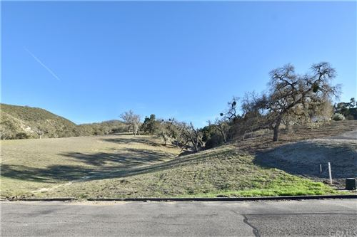 Photo of 9924 Sunfish Circle, Paso Robles, CA 93446 (MLS # NS21032021)