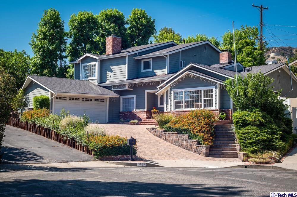 Photo of 3827 Los Amigos Street, Glendale, CA 91214 (MLS # 320007021)