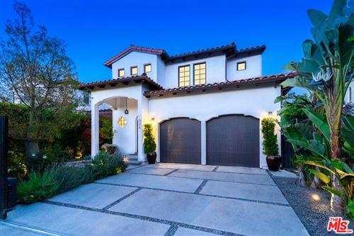 Photo of 534 N Sierra Bonita Avenue, Los Angeles, CA 90036 (MLS # 21741022)