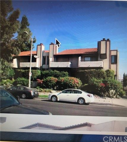 Photo of 18843 Hatteras Street #2, Tarzana, CA 91356 (MLS # OC20240022)