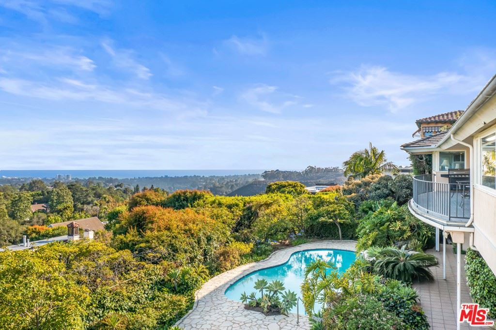 Photo of 1658 San Onofre Drive, Pacific Palisades, CA 90272 (MLS # 21742022)