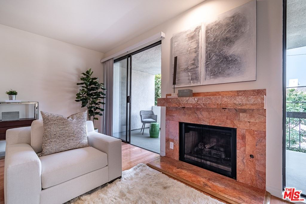 Photo of 723 Westmount Drive #204, West Hollywood, CA 90069 (MLS # 21754022)