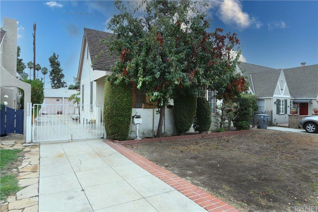 Photo of 950 E Glenoaks Boulevard, Glendale, CA 91207 (MLS # SR21224022)