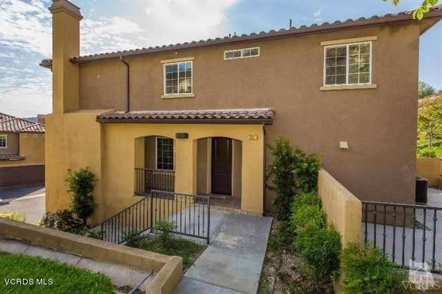 Photo of 391 Hilltop Way, Thousand Oaks, CA 91362 (MLS # 220004023)
