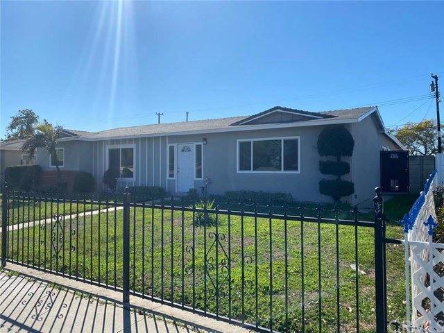 1102 S Raitt Street, Santa Ana, CA 92704 - MLS#: TR21036023