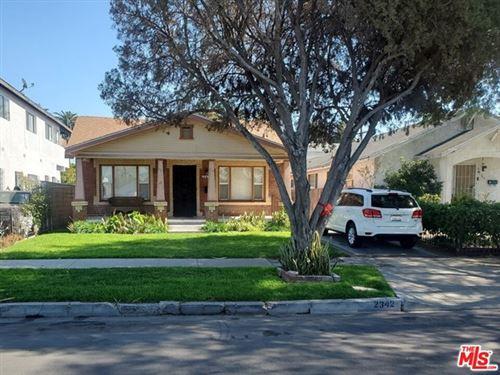 Photo of 2342 S Cochran Avenue, Los Angeles, CA 90016 (MLS # 21694024)