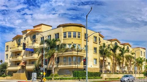 Photo of 6800 Corbin Avenue #202, Reseda, CA 91335 (MLS # SR20121024)
