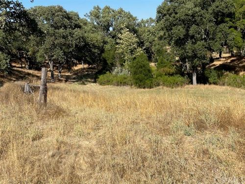 Photo of 8 Championship Ln Drive, Templeton, CA 93465 (MLS # SC20148025)