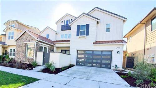 Photo of 68 iluna, Irvine, CA 92618 (MLS # OC19279027)