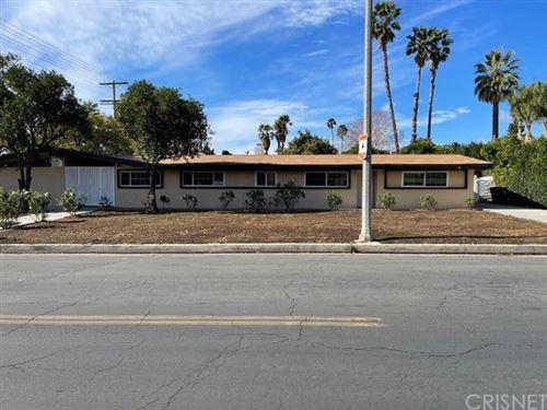 Photo of 9501 Vanalden Avenue, Northridge, CA 91324 (MLS # SR21019027)