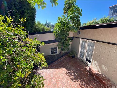 Photo of 4030 Davana Road, Sherman Oaks, CA 91423 (MLS # SR21153027)