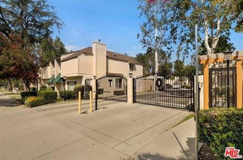 Photo of 5642 Etiwanda Avenue #2, Tarzana, CA 91356 (MLS # 20602028)
