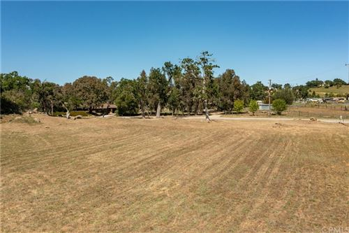 Photo of 8200 San Rafael Road, Atascadero, CA 93422 (MLS # NS21092028)