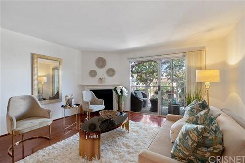 Photo of 1535 S Bentley Avenue #204, Los Angeles, CA 90025 (MLS # SR21122028)
