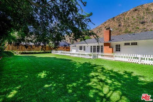 Photo of 5945 PASEO CANYON Drive, Malibu, CA 90265 (MLS # 20657030)