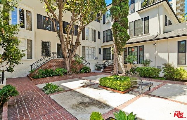 Photo of 401 SHIRLEY Place #206, Beverly Hills, CA 90212 (MLS # 21698030)