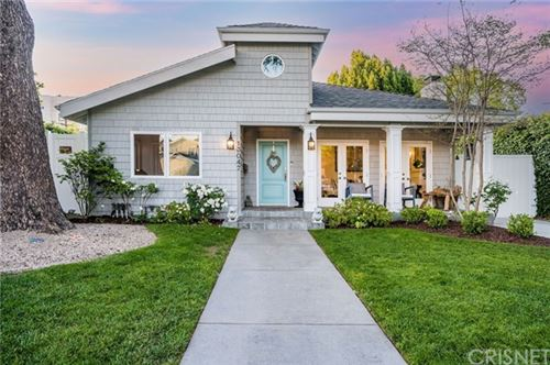 Photo of 13047 Bloomfield Street, Studio City, CA 91604 (MLS # SR21090031)