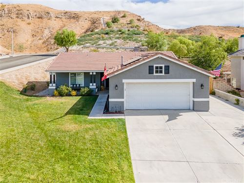 Photo of 30328 Sunrose Place, Canyon Country, CA 91387 (MLS # SR21234031)