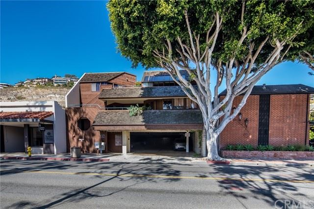 Photo of 352 3rd Street #308, Laguna Beach, CA 92651 (MLS # LG21101031)