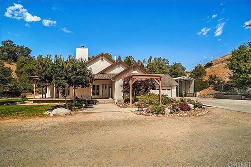 Photo of 30987 Gilmour Street, Castaic, CA 91384 (MLS # SR21126032)