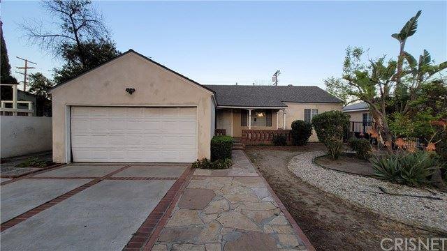 Photo of 6550 Alcove Avenue, Valley Glen, CA 91606 (MLS # SR21072032)
